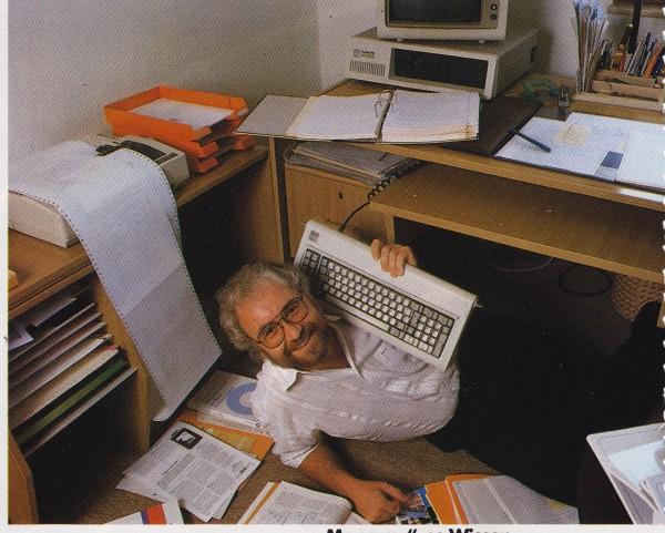 1989_10 Mue-Boe unter Tastatur