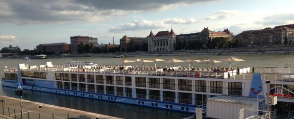 2014_08_22 Liegeplatz gegenueber TU Budapest
