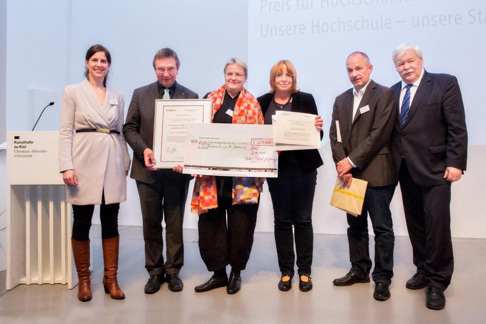vlnr: Dr. Katrin Rehak, Robert Bosch Stiftung; Prof. Dr. Wilhelm Schwick, FH Dortmund; Prof. Dr. Barbara Welzel, TU Dortmund; Mechthild Heikenfeld, Stadt Dortmund; Martin Spiewak, Die Zeit; Prof. Dr. Horst Hippler, HRK